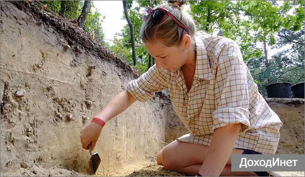 Археолог - профессия, связанная с командировками и экспедициями